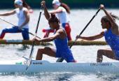Cirilo y Nuevo abren la historia de las medallas mundiales como parte de la canoa femenina.
