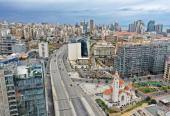 Vistas aéras de ciudades vacías ante la propagación de la pandemia del Coronavirus.