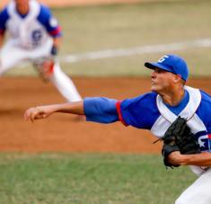 Lázaro Blanco se ratifica como uno de los mejores lanzadores de nuestro béisbol, al igualar una marca de postemporadas. Foto: Roberto Morejón.