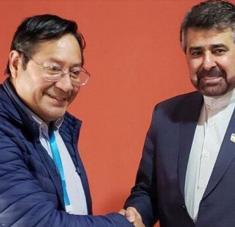 El presidente electo de Bolivia, Luis Arce, se reúne con el embajador iraní en La Paz, Morteza Tafrishi, 30 de octubre de 2020.