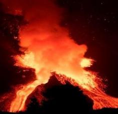 Casi 2.000 edificaciones han sido destruidas por las coladas del volcán Cumbre Vieja. Foto: EFE