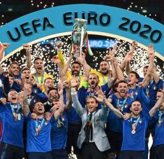 La Azzurra, un proyecto de reconstrucción liderado por Mancini, alzó su segunda Euro, luego del título en 1968.