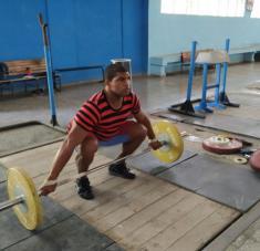 Juan Columbié ha sido uno de los atletas más estables del ciclo, a pesar de que aún no se acerca del todo a los rendimientos de élite en los 109 kg. Fotos: Del Autor.