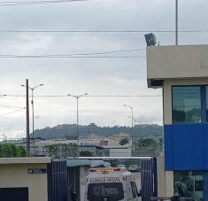 Estos tres centros carcelarios aglutinan a alrededor del 70 % de la población penitenciaria del país. Foto: Twitter @PoliciaEcuador