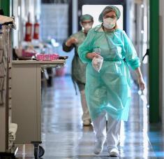 """""""Espero que todo lo que sucedió no se repita, pero nadie puede estar seguro de ello"""", advierte el trabajador sanitario. Foto: Reuters."""