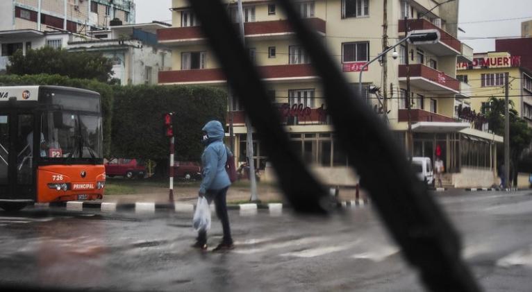 Ligeras precipitaciones en la capital cubana tras el paso de la tormenta tropical Ida. ACN FOTO/Ariel LEY ROYERO/
