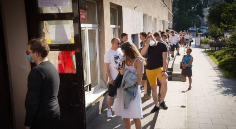 Los candidatos polacos pelean voto a voto la segunda vuelta de las elecciones. Foto: Xinhua