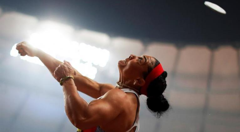 Yaimé realizó un doble esfuerzo en Doha para coronarse: reponerse a su lesión con rapidez y corregir su técnica durante la competencia. Foto: EFE.